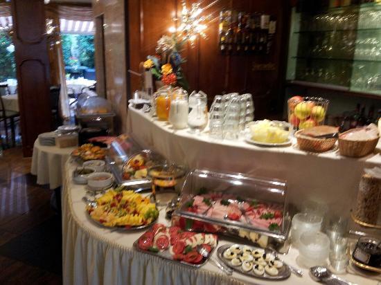 Quality Hotel Bavaria: Sehr ansprechendes Frühstücksbuffet. ☺