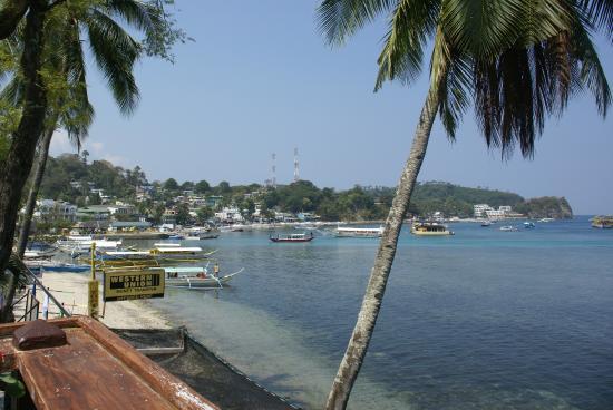 Sabang Inn Beach & Dive Resort : вид с таррасы на пляж