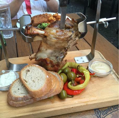 Restaurace 22: Pork Knucle