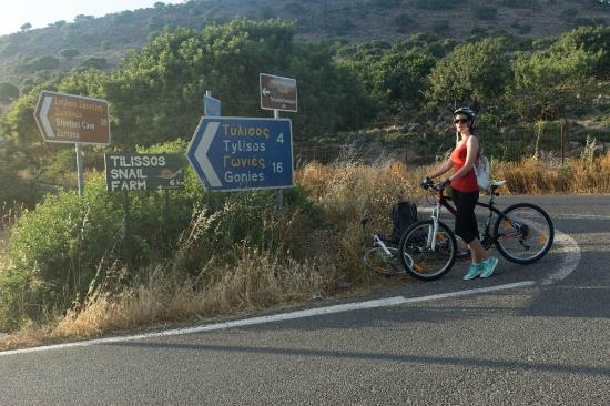 Heraklion Prefecture, Griekenland: A lot of interesting places to visit on bikes
