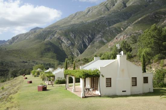 Bushmanspad Estate : Cottage with outside barbeque facilities