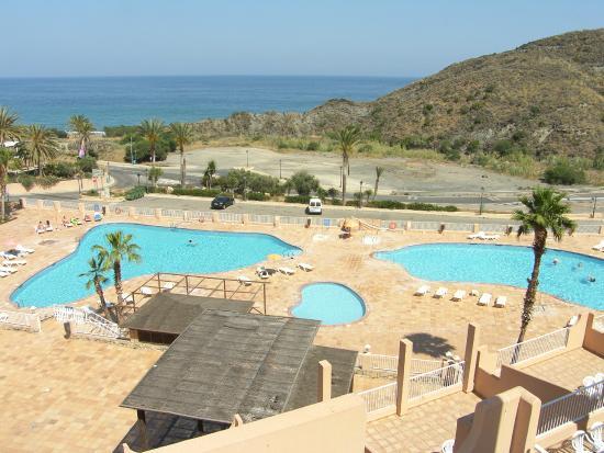 Vistas de la piscina fotograf a de suite hotel puerto - Hotel puerto marina mojacar ...