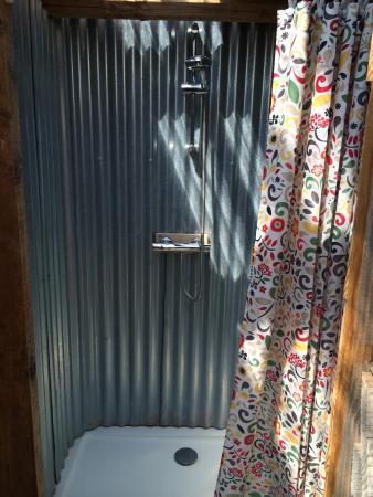 Offas Dyke Yurts: Bathroom