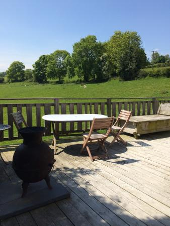 Offas Dyke Yurts: A perfect spot to drink abit of fizz