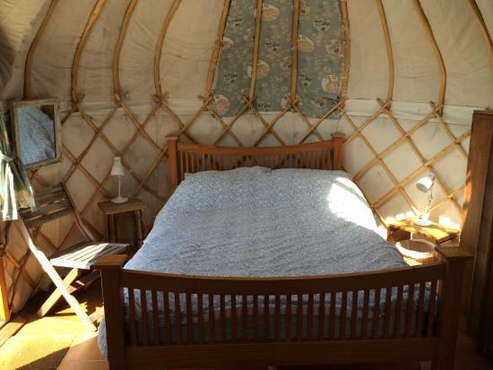 Offas Dyke Yurts: The cosy bed