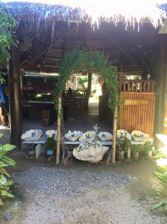 Frendz Resort and Hostel Boracay: Welcome to Frendz Resort