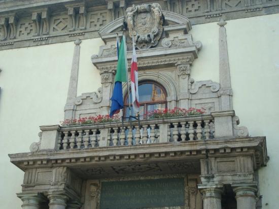 Palazzo del Capitano di Giustizia: Particolare dell'ingresso principale