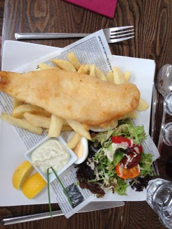 The Dean Inn Restaurant: Fish and chips at The Dean