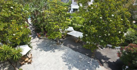 Hotel San Francesco: Garden view