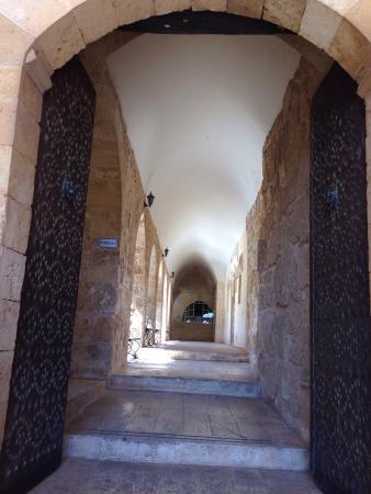 Deyrulzafaran Manastırı Süryani Ortodoks Eski Patrikhanesi. - Picture of Deyr...