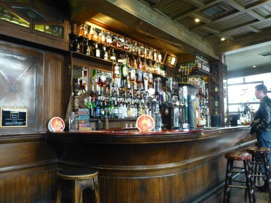 Lismore: Bar view 2