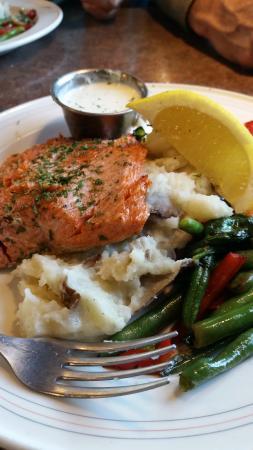 Sizzlin' Cafe: Alakan Salmon