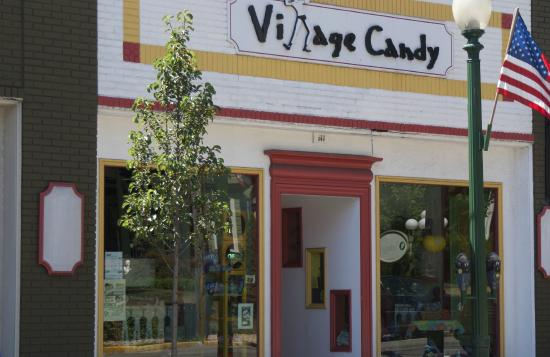 Sewickley, Pensylwania: Village Candy Storefront