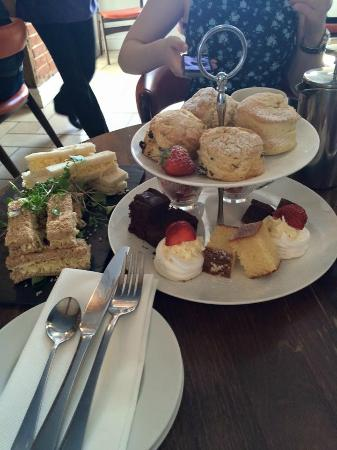 Bank House Hotel: Afternoon Tea