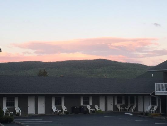 Americas Best Value Inn & Suites Lake George: Efficiency Suites
