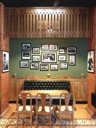 Omah Sinten: Interior Restaurant