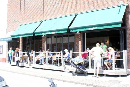 Cafejac : Front of Arts Centre