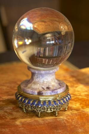 Laurier House National Historic Site : W. L. Makenzie King's Crystal Ball