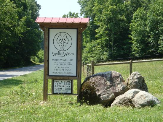 Snow Camp, NC: Wolfe Wines Road Sign