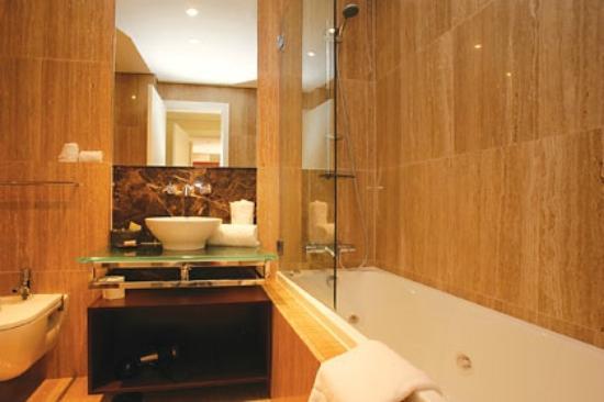 Monte Santo Resort: Luxury Vip Suite Bathroom