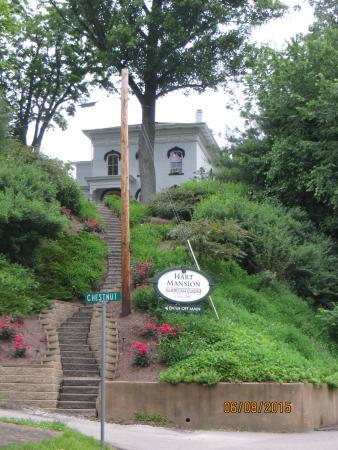 Hotels Near Minerva Ohio
