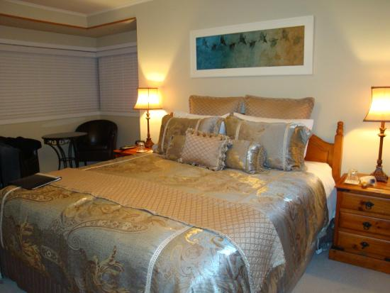 Shailers Bed & Breakfast: Luxurious Bed