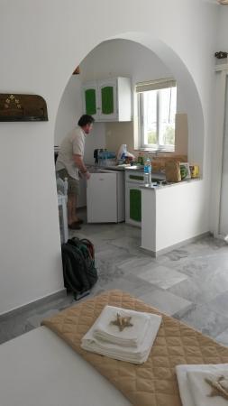 Arokaria Beach Studios: Small kitchen
