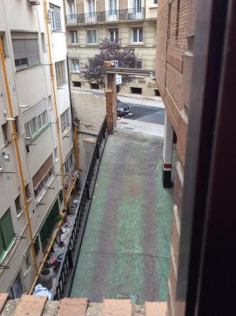 Hotel Zaragoza Royal: Vistas de la habitación