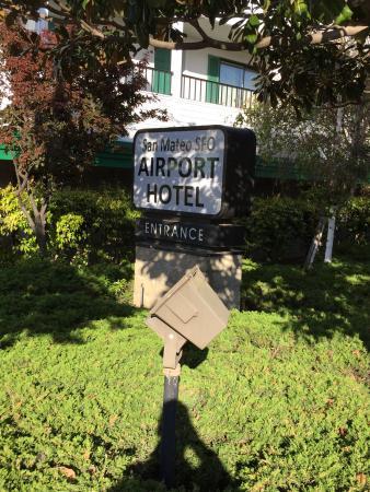 San Mateo SFO Airport Hotel: Queen bedroom photos