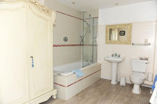 The Old Parsonage: Ensuite bathroom