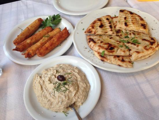 Sousouro: Starters, and the best aubergine dip I've ever tasted