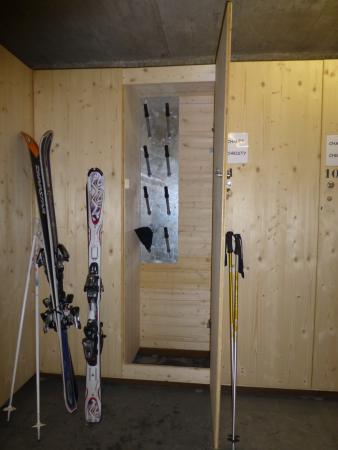 Chalet Christy : Conveniently located ski lockers and storage area. Across the street on the way to the lift.