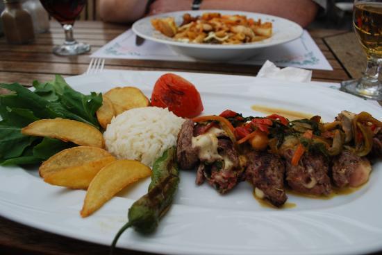La Sera Restaurant