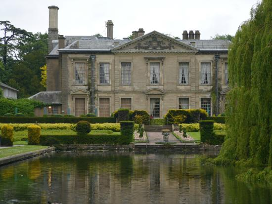 Ковентри, UK: view of Coombe Abbey