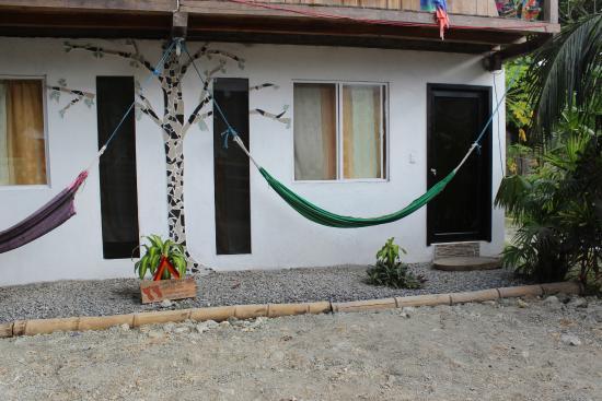 Kiwi Hostel Mompiche