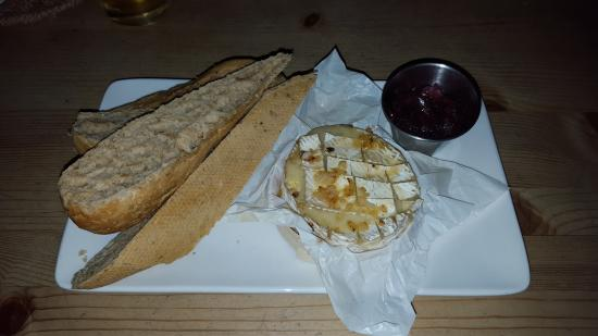 The Admiral Rodney at Berrow Green: Camembert