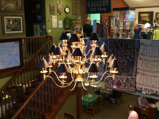 Wilmot, OH: Great location & food