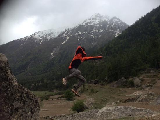 Banjara Camp &  Retreat - Sangla Valley Camp : Victory jump after finishing the Rakcham walk