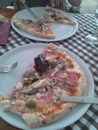 Jambo: pizza de mariscos