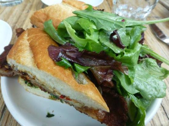 B Restaurant & Bar : Sandwich