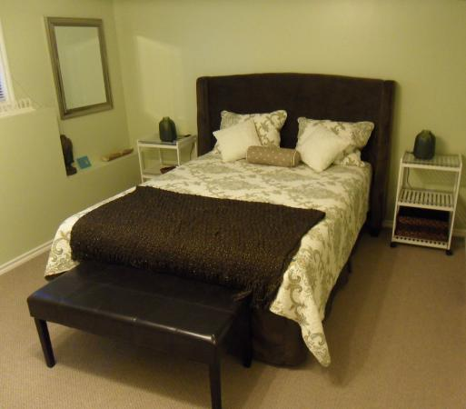 West Kelowna, Canadá: Queen size bed