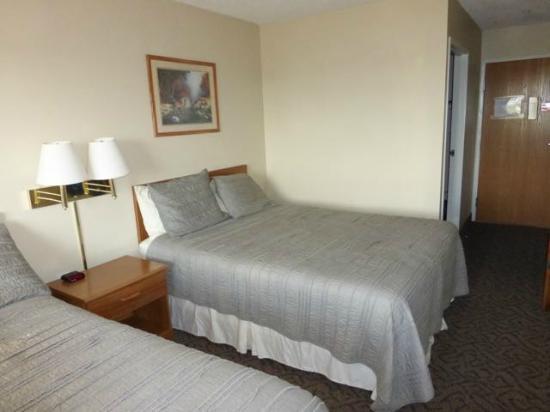 Quilt Inn - UPDATED 2017 Hotel Reviews (Kenmare, ND) - TripAdvisor : quilt inn - Adamdwight.com