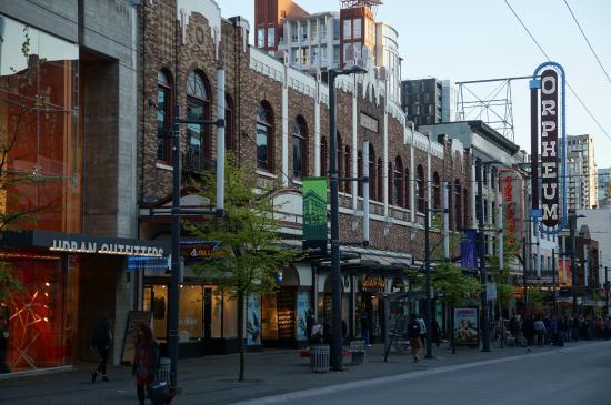 Granville Street Mall/Granville Street: Granville Street