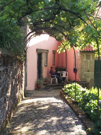 Do Toural Casas: Delightful Garden