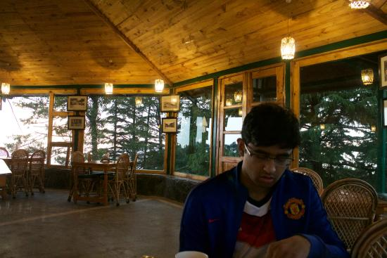 Cloud End Forest Resort: dining area