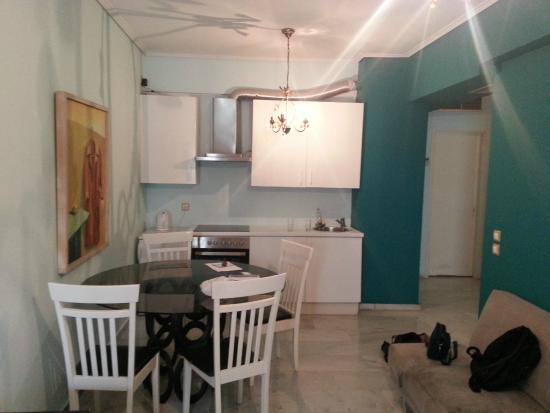 Cucina/soggiorno - Picture of Art Suites Athens, Athens - TripAdvisor