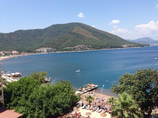 Golmar Beach Hotel: View from our room (621- 6th floor - side sea view)