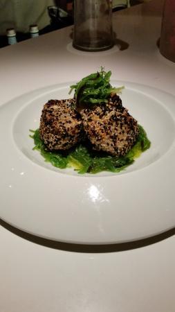 Restaurant Zafferano: Fresh tuna with wakame salad
