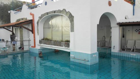 Hotel Margherita: Piscina termale