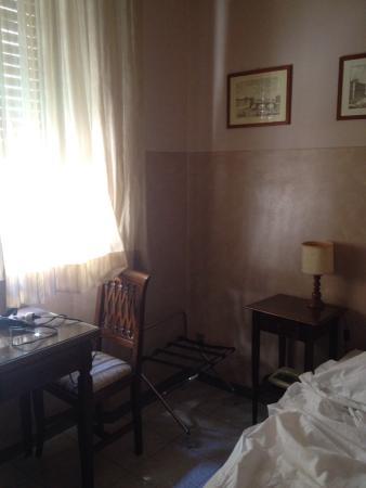 Delle Camelie: Bagno, letto, interno stanza